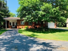 Real Estate Listing   2294 PETROLIA LINE ST. CLAIR
